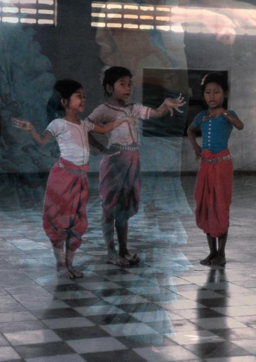 Tanzende Kinder in Mumbai